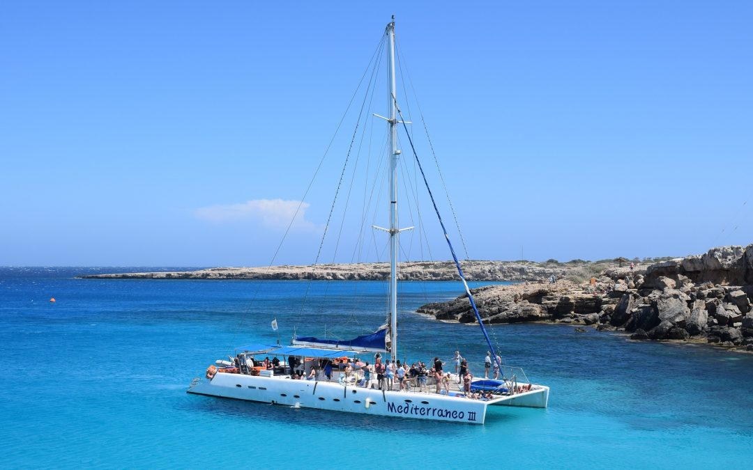 What is the Cost of a Catamaran? 10 Important Facts